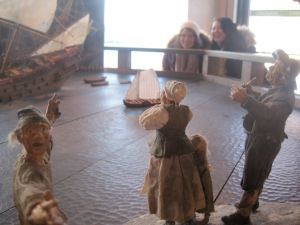 This guy is freaking out! (Figurines in the Vasa Museum)